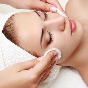Purity Cellular Treatment Gesichtsbehandlung und Massage mit Watte